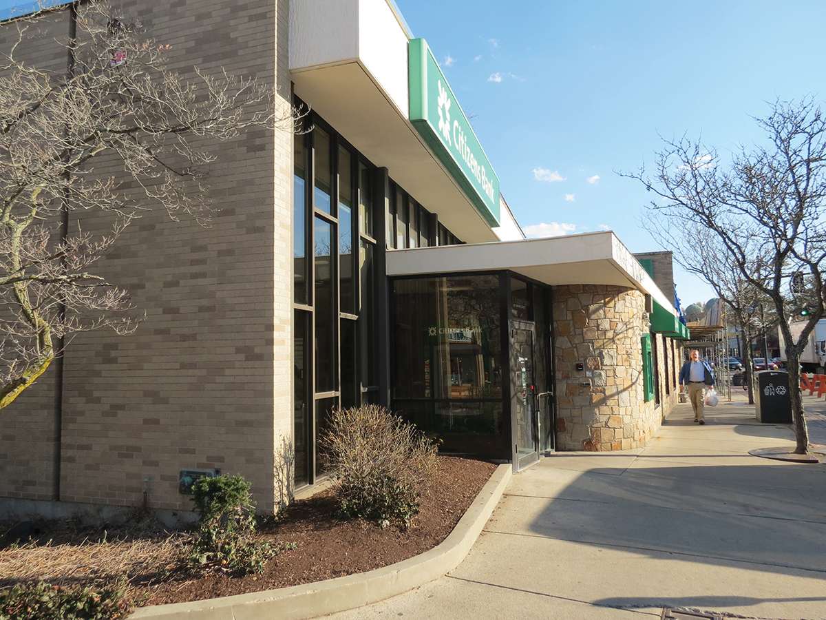 The Grossman Companies sells Citizens Bank Brookline branch for $4.1 million