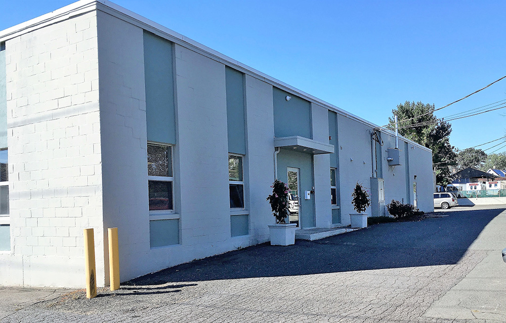Russell and Bergin of Pearce Real Estate broker 4,100 s/f industrial lease