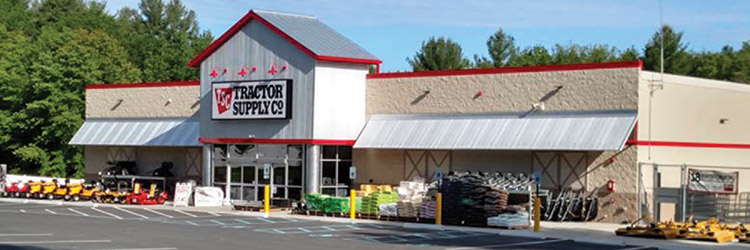 New England Retail Properties brokers $5.8 million sale of Tractor Supply