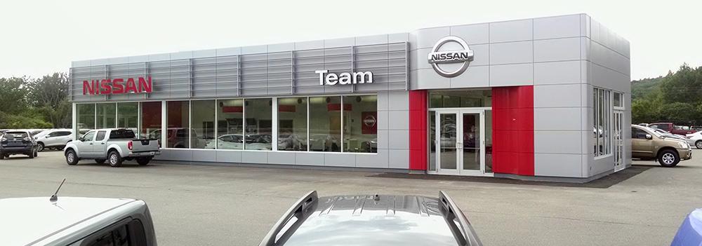 Lovely Team Nissan North   Lebanon, NH
