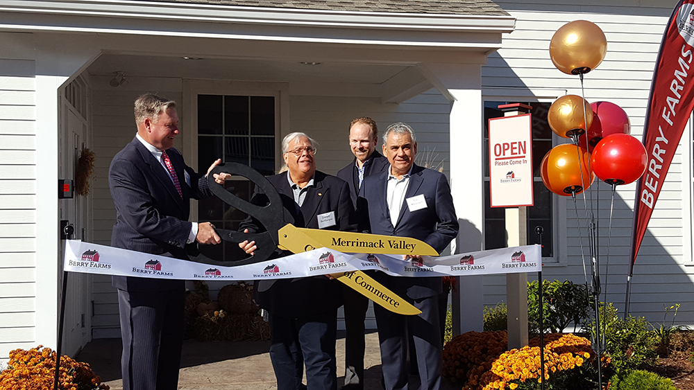 The Dolben Company, Inc. and Minco Corp. celebrate grand opening of Berry Farms