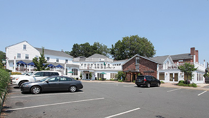 Fischer of Fischer Commercial Real Estate sells 47,098 s/f for $1.57 million